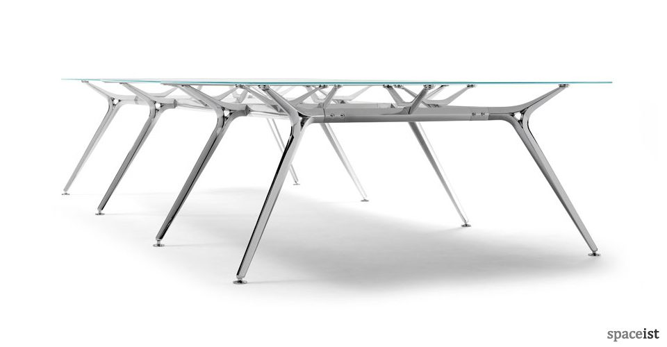 Spaceist-Architec-glass-meeting-table-blog.jpg