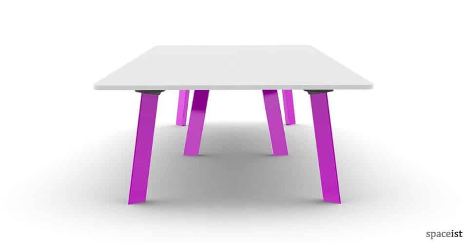 Spaceist-Blade-meeting-table-pink-leg.jpg