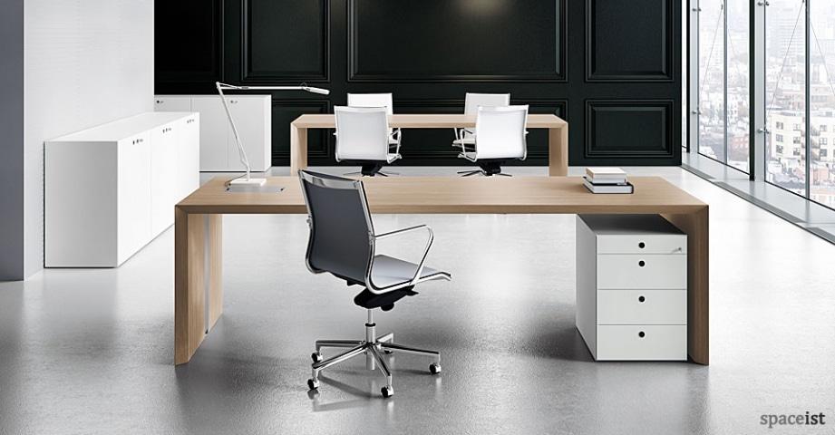Spaceist-CEO-oak-executive-desk.jpg