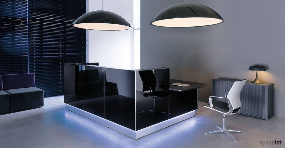 Spaceist-Lina-black-reception-desk.jpg