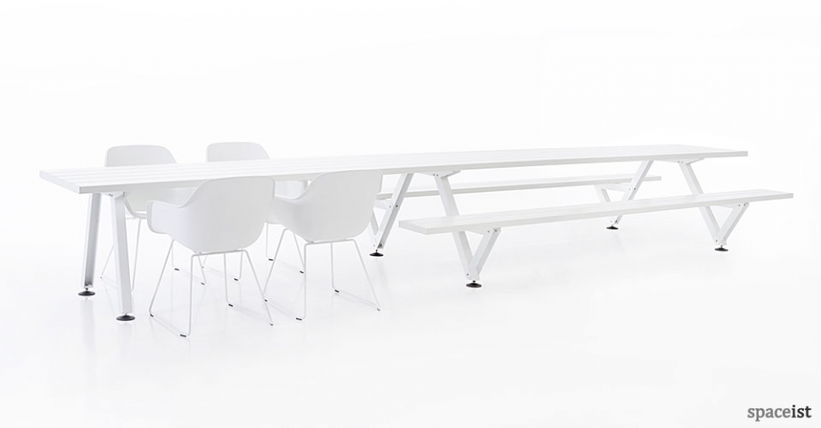Spaceist-Marina-white-outdoor-picnic-table.jpg