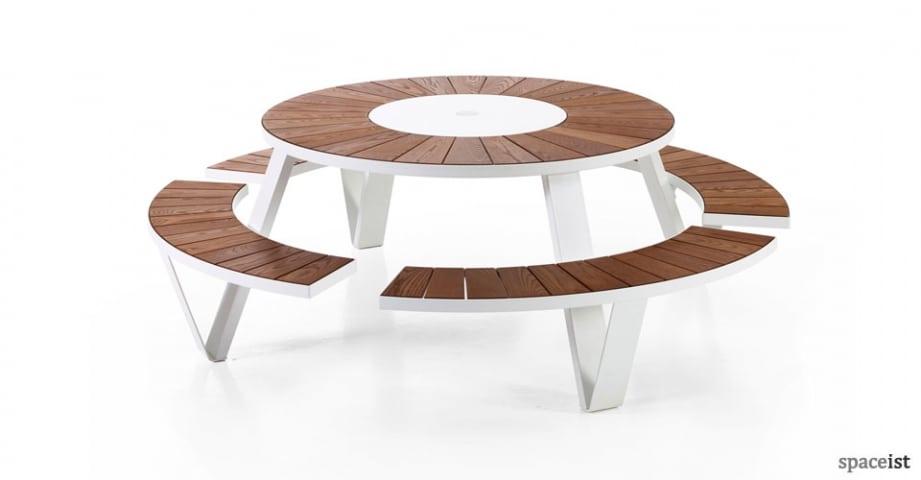Spaceist-Pantagruel-white-round-picnic-table.jpg