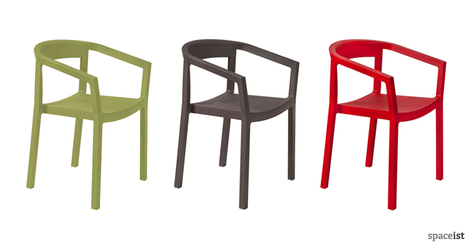 Spaceist-Peach-red-green-brown-cafe-chair-blog.jpg