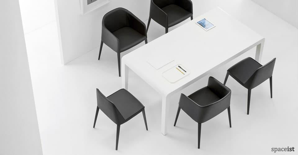 Spaceist-laj-black-leather-meeting-chair-3.jpg
