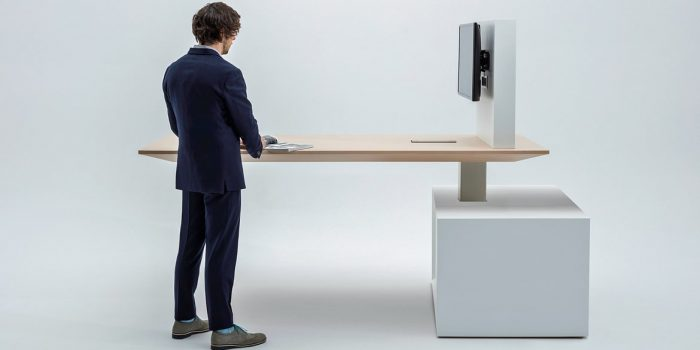 Adustable Table + TV Screen