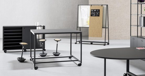 Atelier-Mobile-Standing-Table-Spaceist