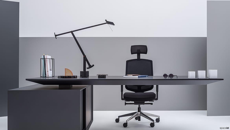 Fabulous Gravity Adjustable Executive Desk Black Spaceist Evergreenethics Interior Chair Design Evergreenethicsorg