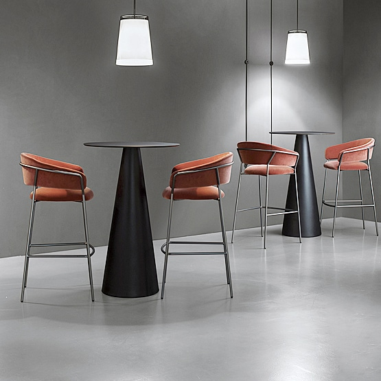 Can I get matching tables & modern bar stools?