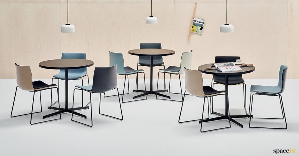 Catifa stackable meeting chairs