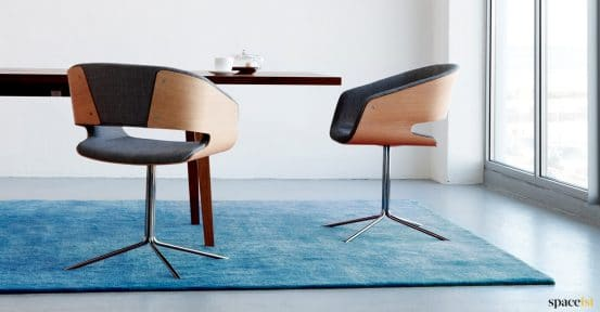 Sapceist-Gap-meeting-chair-walnut-black