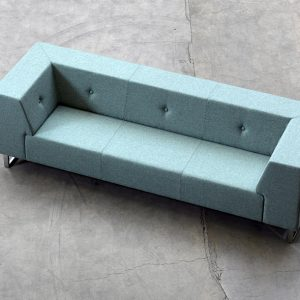 button backed sofa 3 seater