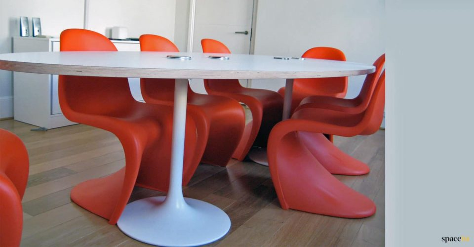 Space city oval meeting room table
