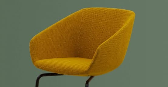 Spaceist-22-yellow-chair-black-leg