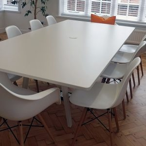 White 8 peron meeting table