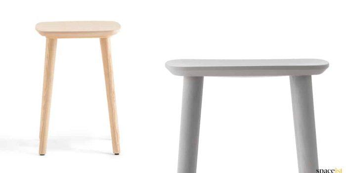 Babila low stool in wood + black