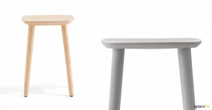 Babila low stool in wood + black