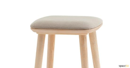 Babila low cafe stool in ash wood + seat pad