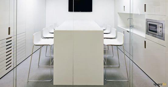 Catifa bar stool in white