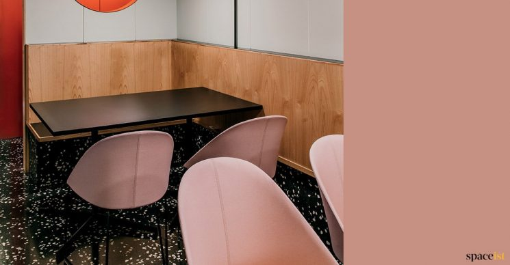 Pick cafe chair + black table