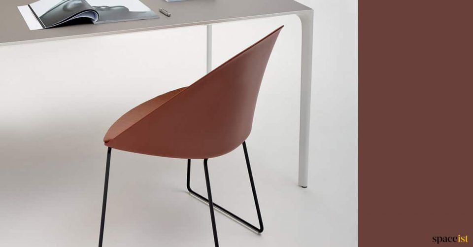 Brown meeting chair with table