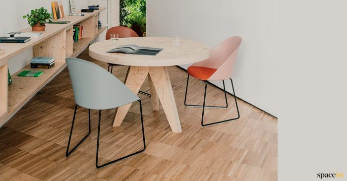 Pink meeting room chair + plywood table