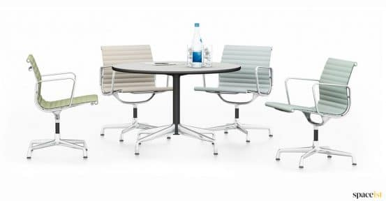 Spaceist-Eames-round-table-4-person