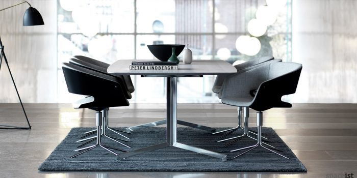 Gap meeting room chair in grey and black