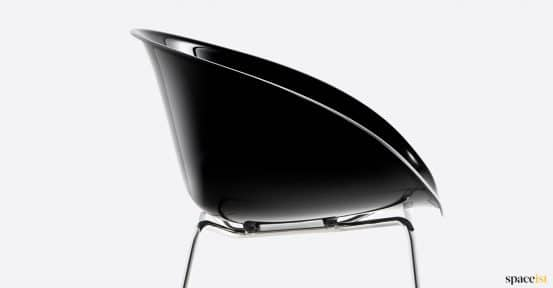 Gliss glossy black chair