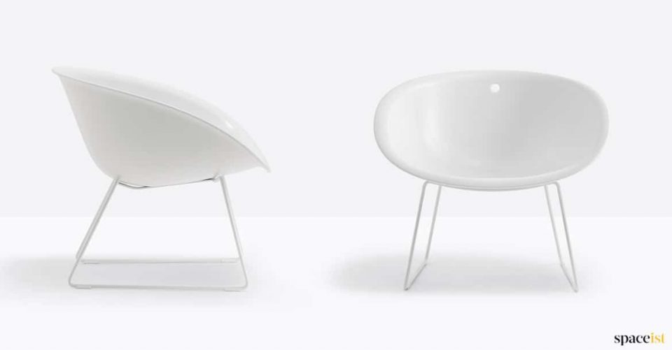 Large bowl shaped receoption chair