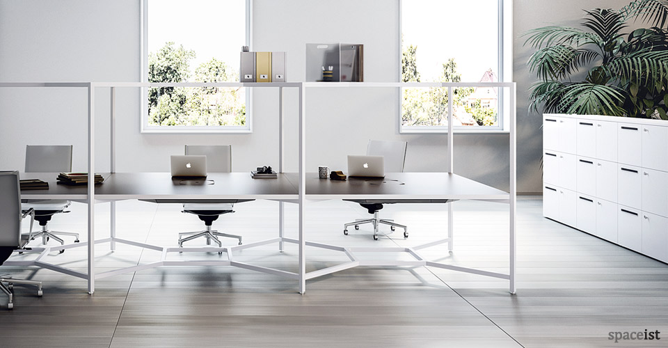 Spaceist-Hub-work-space-desk
