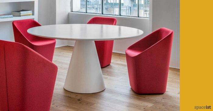 Icon round meeting table with Log meeting chairs