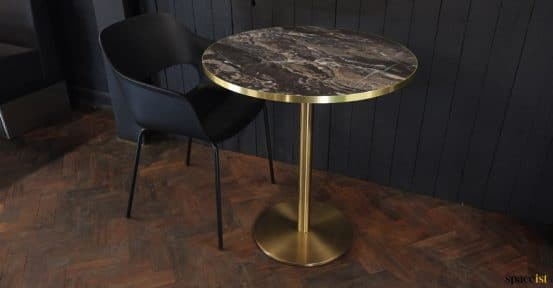 Black round marble table