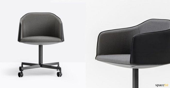 Laja black leather meeting chair