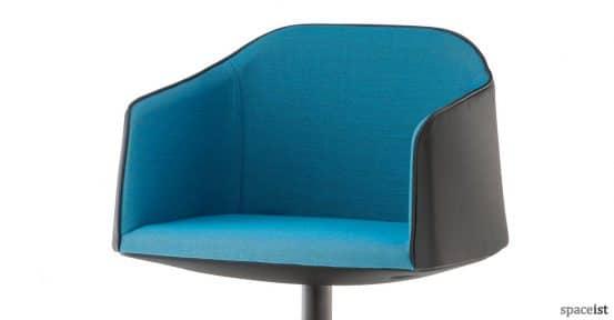 spaceist-laja-blue-meeting-room-chair