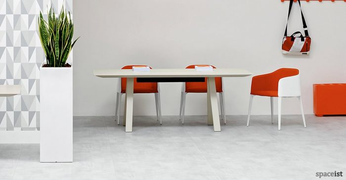 Laja red fabric with white leather chair frame