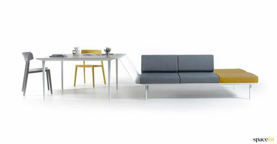 Longi sofa-desk reception furniture