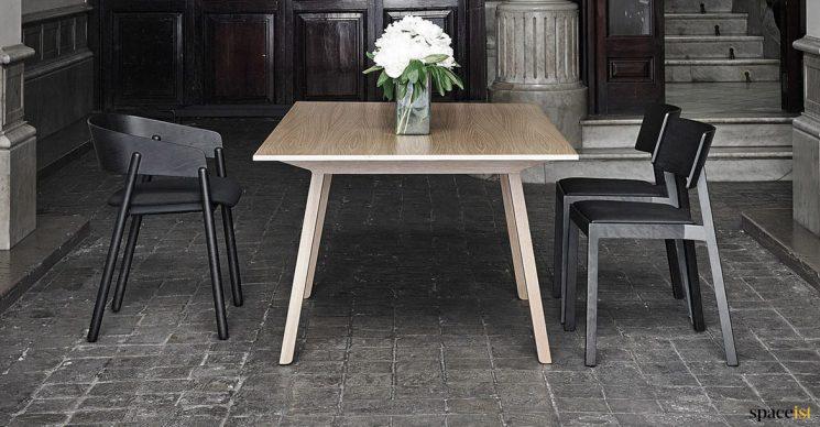 Oak meeting room table designer