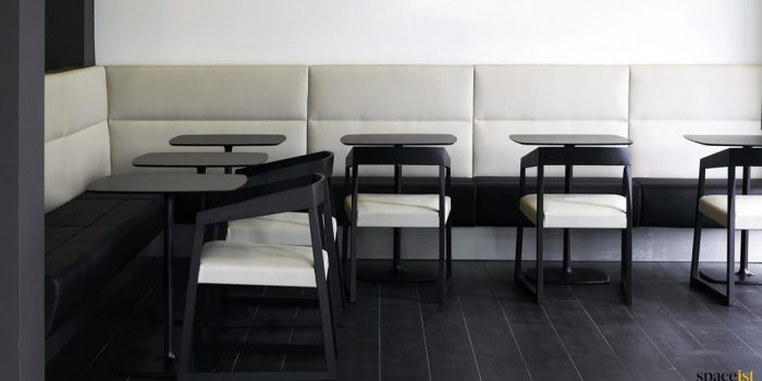 Banquette cream leather