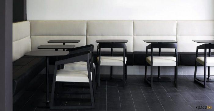 Banquette cream leather