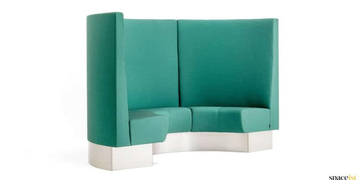 Circlular banquette high back