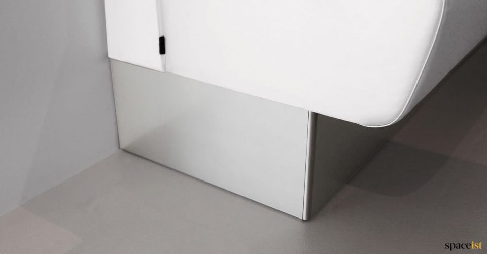 Banquette brushed steel foot plate
