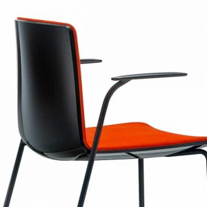 Noa chair glossy black back with a red seat
