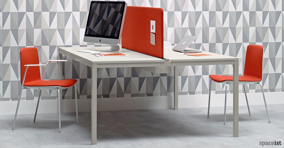 Noa meeting chair with a red farbic seat