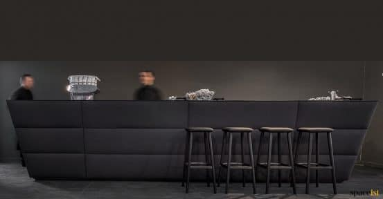 Modular reception desk in black