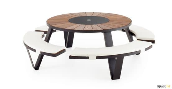 Black picnic table with seat pads - Pentagale