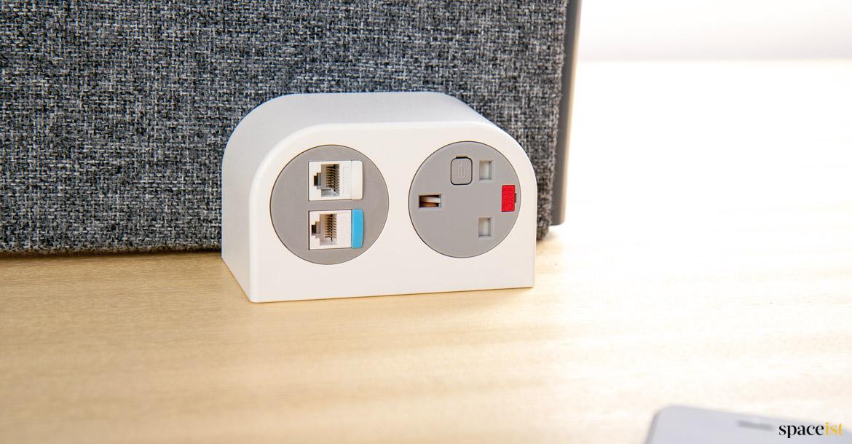 Phase plug usb socket desk spaceist furniture for Copie mobili design