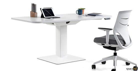 hieght adjustable desk