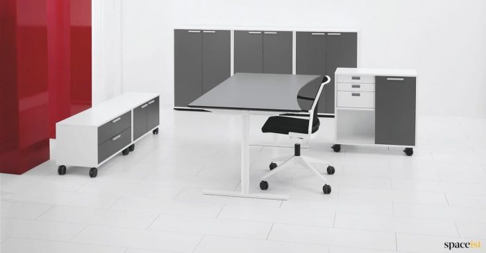 Q20 standing desk with grey top + white base