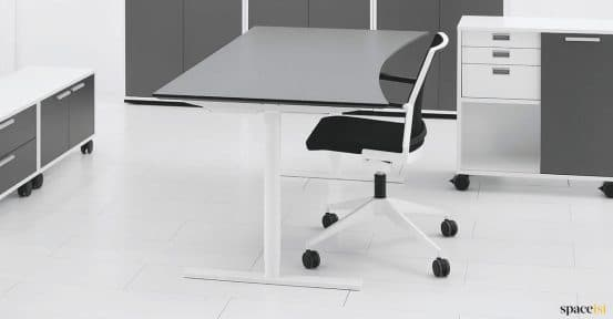 Q20 standing desk with grey top