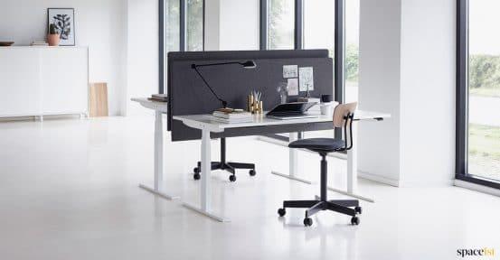 Spaceist-Q20-white-height-adj-desk